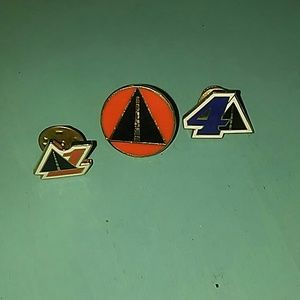 Jewelry - Lot of 3 vtg. DRIVING pins